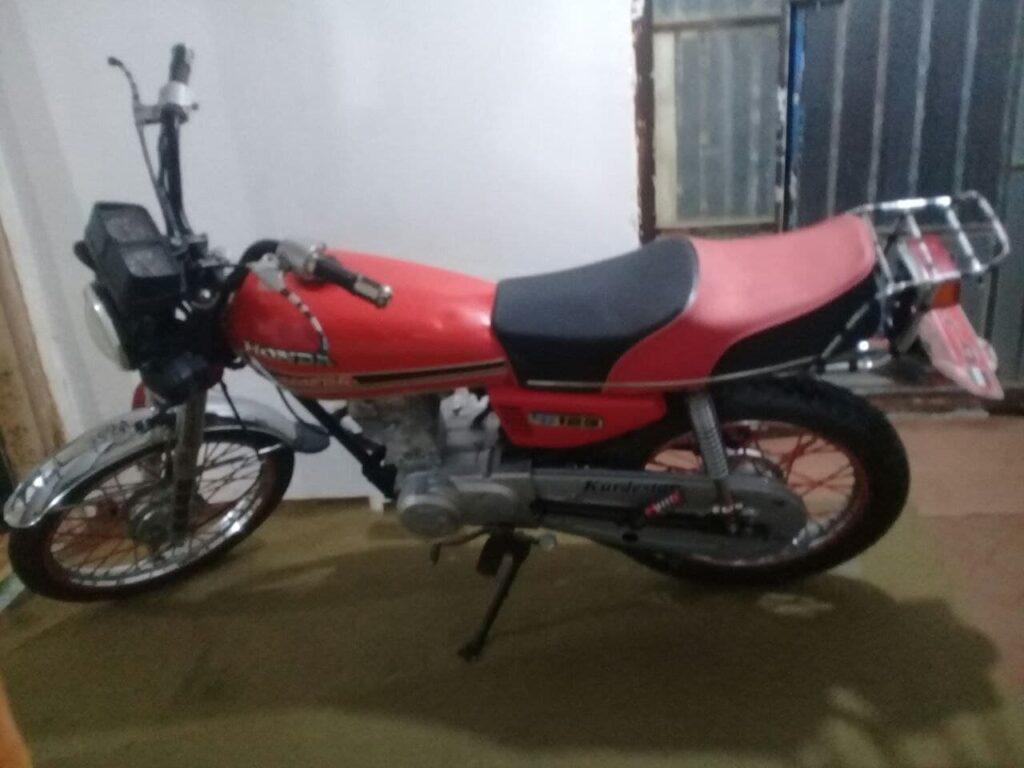 یک عدد موتور سیکلت مزایده مدل۸۸